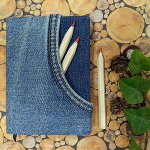 Világoskék, zsebes farmer notesz, Otthon & Lakás, Papír írószer, Naptár & Tervező, Könyvkötés, Világoskék farmeranyag borítással, zsebes napló, kék jelzőszalaggal.\nSzemélyre szabott ajándék lehet..., Meska