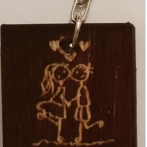 kulcstartó, Egyéb, Kulcstartó, táskadísz, Táska, Divat & Szépség, Gravírozás, pirográfia, Egyedi kulcstartó \nSaját kézzel, gravírozással, pácolt fa lapra készült egyedi kulcstartó, amely tar..., Meska