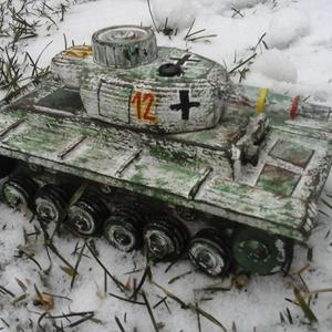 Fatank - Panzer III. Téli festés. 1/30, Játék, Gyerek & játék, Fajáték, Famegmunkálás, Festett tárgyak, Egyedi készítésű, méretarányos, valósághű, strapabíró fatank\n\nMásodik világháborús német Panzer III,..., Meska