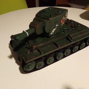 Fatank: KV-2 szovjet nehéz tank 1/30, Játék, Gyerek & játék, Férfiaknak, Legénylakás, Fajáték, Famegmunkálás,  Egyedi készítésű, méretarányos, valósághű, strapabíró fatank.\n\nMásodik világháborús szovjet KV-2 ne..., Meska