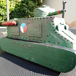 Fatank - Kolohousenka cseh korai tank 1/30, Férfiaknak, Legénylakás, Gyerek & játék, Játék, Fajáték, Festett tárgyak, Famegmunkálás, Egyedi készítésű fatank, erős, strapabíró, játékra alkalmas, de ugyanakkor méretarányos és élethű.  ..., Meska