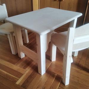 Fából készült gyerek asztal/szék, Gyerek & játék, Gyerekszoba, Gyerekbútor, Otthon & lakás, Bútor, Asztal, Szék, fotel, Famegmunkálás, Tömör fából készülő egyedi kialakítású asztalszett gyerekeknek. A vázak , láb tömör fenyőből az aszt..., Meska