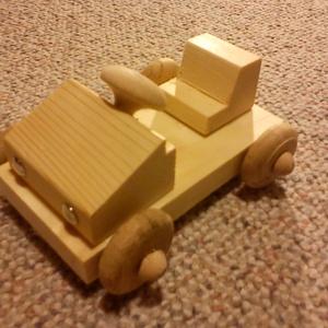 Gokart - készségfejlesztő csomag, Készségfejlesztő & Logikai játék, Játék & Gyerek, Famegmunkálás, Készségfejlesztő csomag.\nEsztergált gyalult és csiszolt alkatrészekből összeállítható gokart kocsi.\n..., Meska