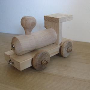 Vonat - készségfejlesztő csomag, Készségfejlesztő & Logikai játék, Játék & Gyerek, Famegmunkálás, Készségfejlesztő csomag.\nEsztergált gyalult és csiszolt alkatrészekből összeállítható mozdony.\nA kép..., Meska