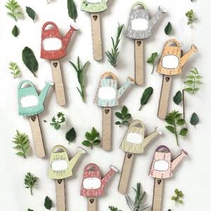 Fűszer-növény jelölő pálcák balkonra, Otthon & Lakás, Ház & Kert, Növény & Veteményes, Gravírozás, pirográfia, Festészet, Ezek a kis öntöző formájú fűszerpálcák egy kis játékos hangulatot csenhetnek be otthonodba.\nKedves k..., Meska