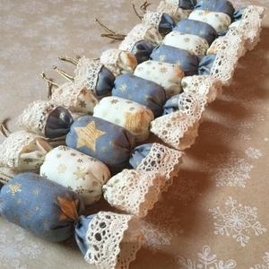 Textil szaloncukor /szett: 10 db/, Dekoráció, Otthon & lakás, Ünnepi dekoráció, Karácsony, Karácsonyfadísz, Varrás, TEXTIL SZALONCUKOR\n\nEgyedi textil szaloncukrok eladók karácsonyfadísznek vagy tökéletes ajándékkísér..., Meska