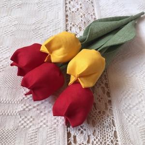 Textil tulipán /szett: 5 db/ ingyen ajándékkísérővel, Csokor & Virágdísz, Dekoráció, Otthon & Lakás, Varrás, Egyedi textil TULIPÁNOK eladók. \n\nA csokor 5 szál tulipánt tartalmaz:\n- 3 piros\n- 2 sárga\n\nGyönyörű ..., Meska