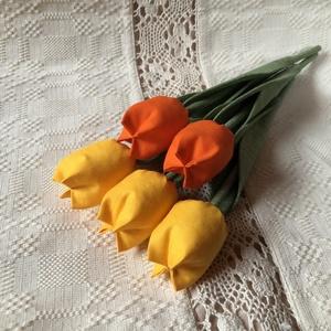 Tulipán / szett: 5 szál/ ingyen ajàndékkísérővel, Dekoráció, Otthon & lakás, Varrás, \nEgyedi textil TULIPÁNOK eladók. \n\nA csokor 5 szál tulipánt tartalmaz:\n- 2 narancssárga\n- 3 sárga\n\nG..., Meska