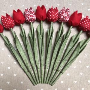Tulipán /szett: 10 szál/, Csokor & Virágdísz, Dekoráció, Otthon & Lakás, Varrás, Egyedi textil TULIPÁNOK eladók. \n\nA csokor 10 szál tulipánt tartalmaz:\n- 4 piros\n- 3 piros-fehér pöt..., Meska