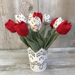 Tulipán csokor kaspóval / szett: 12 szál vegyesen/ ingyen ajándékkísérővel, Csokor & Virágdísz, Dekoráció, Otthon & Lakás, Varrás, Egyedi textil TULIPÁNOK eladók. \n\nA csokor 12 szál tulipánt tartalmaz vegyes összeállitásban.\n\nGyöny..., Meska