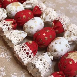 Textil szaloncukor /szett: 10 db/, Otthon & lakás, Dekoráció, Ünnepi dekoráció, Karácsony, Karácsonyfadísz, Varrás, TEXTIL SZALONCUKOR\n\nEgyedi textil szaloncukrok eladók karácsonyfadísznek vagy tökéletes ajándékkísér..., Meska