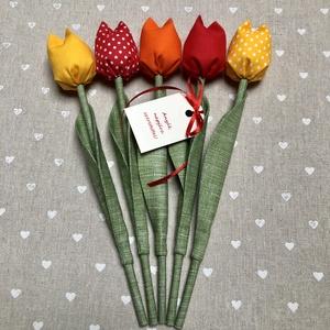 Anyák napi tulipán csokor /szett: 5 szál/ ingyen ajándékkártyával, Csokor & Virágdísz, Dekoráció, Otthon & Lakás, Varrás, Egyedi textil TULIPÁNOK eladók. \n\nA csokor 5 szál tulipánt tartalmaz piros, narancs, sárga  árnyalat..., Meska