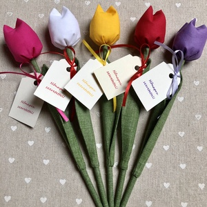 Nőnapi textil tulipánok / szett: 5 db/ ingyen ajándékkísérővel, Otthon & Lakás, Dekoráció, Csokor & Virágdísz, Varrás, Egyedi textil TULIPÁNOK eladók. \n\nA csokor 5 szál tulipánt tartalmaz.\n\nGyönyörű dísze lehet otthonun..., Meska