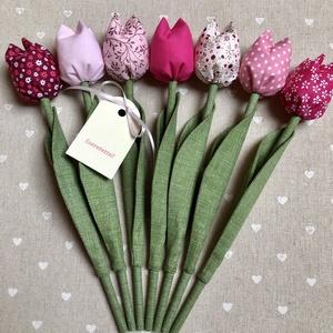 Tulipán /szett: 7 db/, Otthon & Lakás, Dekoráció, Csokor & Virágdísz, Egyedi textil TULIPÁNOK eladók.   A csokor 7 szál tulipánt tartalmaz.  Gyönyörű dísze lehet otthonun..., Meska