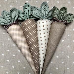 Textil répa /szett: 4 db/, Otthon & Lakás, Dekoráció, Asztaldísz, A szett 4 darab textilből készült répát tartalmaz. Egyedi tavaszi dekorációja lehet otthonunknak.   ..., Meska