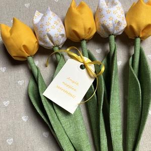 Anyák napi textil tulipánok / szett: 5 db/ ingyen ajándékkísérővel, Otthon & Lakás, Dekoráció, Csokor & Virágdísz, Varrás, Egyedi textil TULIPÁNOK eladók. \n\nA csokor 5 szál tulipánt tartalmaz.\n\nGyönyörű dísze lehet otthonun..., Meska