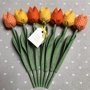 Anyák napi textil tulipánok / szett: 7 db/ ingyen ajándékkísérővel, Otthon & Lakás, Dekoráció, Csokor & Virágdísz, Varrás, Egyedi textil TULIPÁNOK eladók. \n\nA csokor 7 szál tulipánt tartalmaz.\n\nGyönyörű dísze lehet otthonun..., Meska