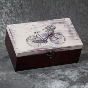 Kerékpár mintás fa díszdoboz - belső osztásssal vagy anélkül, Otthon & Lakás, Dekoráció, Díszdoboz, Decoupage, transzfer és szalvétatechnika, Festett tárgyak, Transzfer technikával, kézzel készített kerékpár mintás  fa díszdoboz. A színre pácolt, koptatot tet..., Meska
