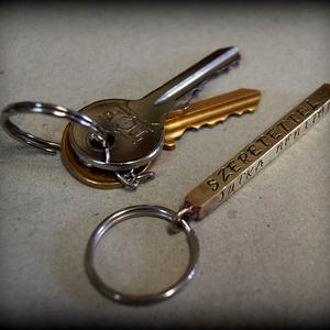 Feliratos kulcstartó, Férfiaknak, Egyéb, Kulcstartó, táskadísz, Táska, Divat & Szépség, Ötvös, Ékszerkészítés, Ez a  kulcstartó az összetartozásotokat fejezi ki.\nKerülhet rá név, rövid szöveg, évszám, stb.\n\nA cs..., Meska