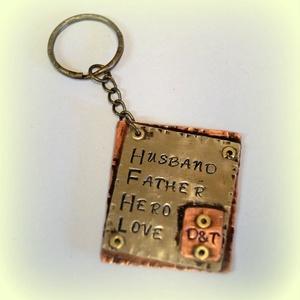 Kétoldalas kulcstartó férfiaknak , Férfiaknak, Ékszer, Medál, Valami apróság tőled-Neki... Ráadásul még használni is lehet, ráakaszthatja a kulcsait:)  Ha akarom ..., Meska