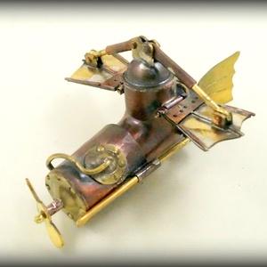 Steampunk repülőgép pendrive, Férfiaknak, Egyéb, Furcsaságok, Ez egy igazi repülő szerkezet. Szinte hihetetlen, de képes felemelkedni és néhány percig a levegőben..., Meska