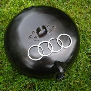 Sütödiszkosz, diszkosz AUDI emblémával, Férfiaknak, Konyhafőnök kellékei, Hát ezt is megértük.... :) Persze nem zárkózom el egyéb jelképektől sem, de azért az Audi...na az ig..., Meska