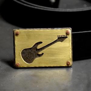 Bőr öv, övcsat gitár, Férfiaknak, Öv, övcsat, Steampunk ajándékok, Erős, vastag, nehéz, tartós, férfias...és acél. Nincs belőle két egyforma. A bőr 3,5 centi széles, o..., Meska