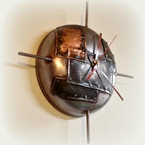 Falióra , óra, Férfiaknak, Otthon & lakás, Lakberendezés, Falióra, óra, Legénylakás,  Falra akasztható óra, falióra.  Domború acéllemez alkotja a számlapot. Industrial stílusa miatt bár..., Meska