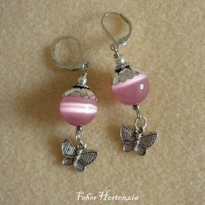 Rózsaszínű macskaszem gyöngy pillangóval (fülbevaló), Ékszer, Lógó fülbevaló, Fülbevaló, Ékszerkészítés, Meska