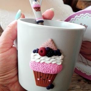 Mosolygós muffin bögre , Bögre & Csésze, Konyhafelszerelés, Otthon & Lakás, Gyurma, Porcelán bögrére készült egyedi és különleges minta. Minden alkalomra tökéletes választás,hogy megör..., Meska