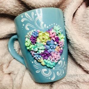 Pozsgás szív bögre , Otthon & lakás, Konyhafelszerelés, Bögre, csésze, Dekoráció, Ünnepi dekoráció, Szerelmeseknek, Gyurma, Porcelán bögrére készült egyedi és különleges minta. Minden alkalomra tökéletes választás,hogy megör..., Meska