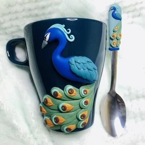 Kék páva bögre , Otthon & Lakás, Konyhafelszerelés, Bögre & Csésze, Gyurma, Porcelán bögrére készült egyedi és különleges minta. Minden alkalomra tökéletes választás,hogy megör..., Meska