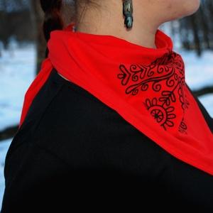 Őszi kendő piros - Kalotaszeg (fehernep) - Meska.hu