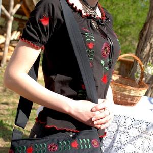 Csángó Fehérnép buggyos táskája (fekete) (fehernep) - Meska.hu