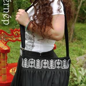 Kalotaszegi Szépasszony buggyos táskája (fekete-fehér) (fehernep) - Meska.hu