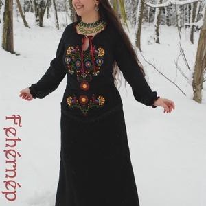 Fejedelemasszony rábaközi szoknyája, Szoknya, Női ruha, Ruha & Divat, Varrás, Hímzés, Eleink és ujgur asszonytársaink tisztére…\n\nMeseszép, fejedelemasszonyokhoz méltó szoknya született i..., Meska