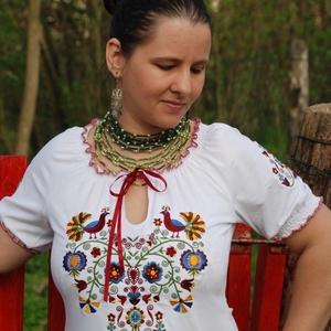Rábaközi Fehérnép szalagos blúza - fehér RU, Magyar motívumokkal, Táska, Divat & Szépség, Női ruha, Ruha, divat, Blúz, Hímzés, Varrás, Csillagszemű magyar asszonyok, hölgyek szépségének emelésére készítettük.\n\nBüszkék vagyunk arra, hog..., Meska