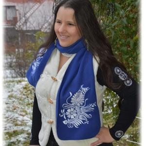 Fehérnép királykék téli sál somogyi szűrhímzéssel, Sál, Sál, Sapka, Kendő, Ruha & Divat, Hímzés, Mindenmás, Készen vásárolt, 25 cm széles polar-fleece sál. Nagyon puha, nagyon meleg :) \n\nDíszítése eredeti som..., Meska