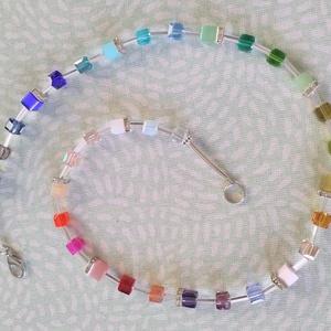 CUBE színes nyakláncok, Ékszer, Nyaklánc, Gyöngyös nyaklác, Ékszerkészítés, Gyöngyfűzés, gyöngyhímzés, Csillogó 6 mm-es kristály, valamint macskaszem kockákból,  strassz köztesekkel készült nyaklánc éksz..., Meska