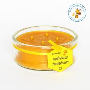 termelői méhviasz négy kanócos mécses × kör formájú üvegben, Lakberendezés, Otthon & lakás, Gyertya, mécses, gyertyatartó, Dekoráció, Gyertya-, mécseskészítés, kör formájú üveg mécses négy kanóccal a saját méhviaszunkból..\n\nméretei: 9 cm átmérőjű és 3,5 cm mag..., Meska
