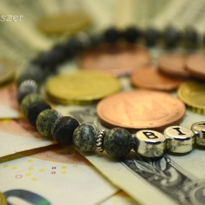 Bitcoin Serpentin férfi karkötő matt zöld ásvány gyöngyökből gumis Bitcoin felarattal Egyedi ajándék férfiaknak (Fenyekszer) - Meska.hu
