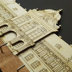 Fali kulcstartó, kastélyos, Kulcstartó szekrény, Bútor, Otthon & Lakás, Famegmunkálás, Mindenmás, 6 akasztós fali kulcstartó, 24cm széles. Natúr és pácolt rétegelt lemezből készül, a kampók acélból...., Meska