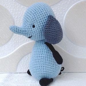 Amma elefánt 2-horgolt  mesefigura, Elefánt, Plüssállat & Játékfigura, Játék & Gyerek, Hímzés, Horgolás, Amma,  kék elefánt a Bing meséből, ihlette ezt a figurát.\n \nSzeme kézi hímzésű.\nMagassága  18 cm \n\nA..., Meska