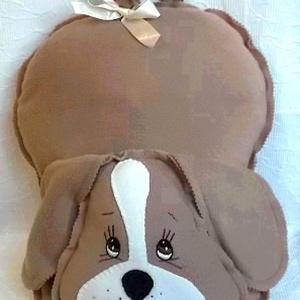 Nagyfülű barna kutyus - párna, Játék & Gyerek, Plüssállat & Játékfigura, Kutya, Hímzés, Varrás, Ez kedves mosolygós kutyus, világos barna polár anyagból készült.\n\nKézi hímzésű a szem.\n\nMérete 55 x..., Meska
