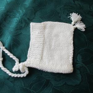 Babasapka, Ruha & Divat, Babasapka, Babaruha & Gyerekruha, 0-3 hónapos korig használható kézzel kötött babasapka. Mosható. Fehér, Meska