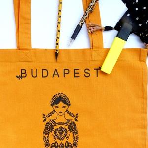 ÚJ színek ! \'Menyecske\' -Budapest shoppingoló, bevásárló táska- kurkuma, NoWaste, Táska, Divat & Szépség, Táska, Válltáska, oldaltáska, Varrás, Elkészült sok sok érlelés után a legújabb mintám. Összeválogattam a kedvenc motívumaimat és szimbólu..., Meska