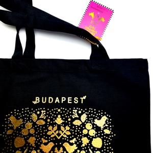 \'G O L D - Budapest\' Limitált kiadású táska/ bevásárló vászontáska, Shopper, textiltáska, szatyor, Bevásárlás & Shopper táska, Táska & Tok, Varrás, Kedvenc magyar hímzésmotívumaimat összeraktam , tükrözve mintába rendeztem őket, a madárkák, hóesés-..., Meska