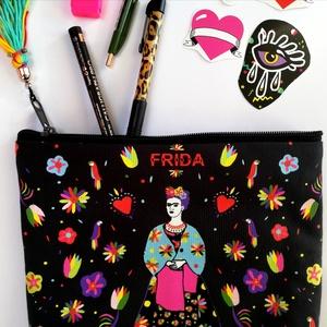 \'Frida \' fekete óriás neszesszer / sminktáska/ erszény/mobil/bármi tok, Táska, Divat & Szépség, Táska, Pénztárca, tok, tárca, Varrás, Hímzés, Új dizájnunkkal készült neszesszer amit Frida Kahlo ihletett. Make-up bag / tárca/erszény / neszessz..., Meska