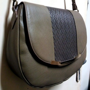 Fonott fedeles Női táska (fgabor1) - Meska.hu