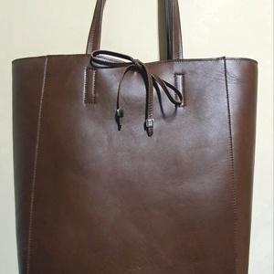Maxi shopper, Táska, Divat & Szépség, Táska, Szatyor, Bőrművesség, Varrás, Ezt a minden napra használatos maxi shopper táskát egy puha jó minőségűolasz bőrből készítem.Ajánlom..., Meska